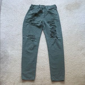 American eagle high wasted mom jeans with rips